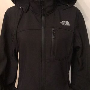 The North Face Black large windbreaker jacket.⭐️🌟